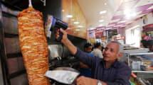 No, Europa no va a prohibir los kebabs: es otro bulo de internet