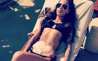 Woman becomes internet star after posting inspiring bikini selfie with colostomy bags