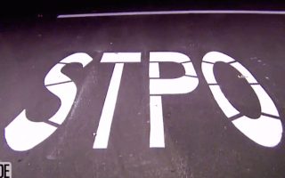 Residents are cracking up over misspelt stop sign