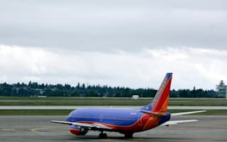 Passenger thrown off plane for tweeting about bad service