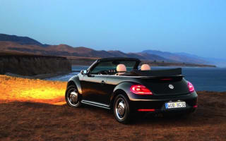 New Beetle Cabriolet revealed in LA: Here in Spring 2013
