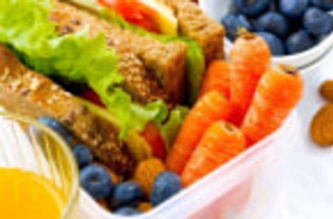 Nutrition Myths: Debunking 4 Popular Health Food Fads