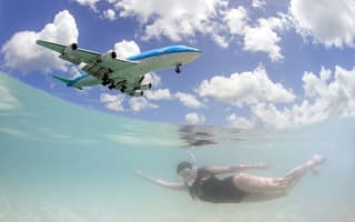 Amazing photos: Jumbo jets photobomb tourists in Caribbean