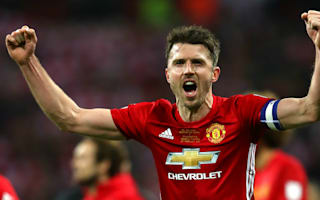 Carrick: Manchester United won't give up on top four