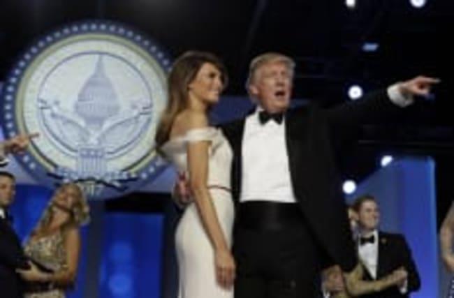 Trump a demandé une standing ovation pour...