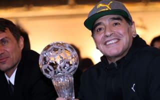 Madrid-bound Maradona visits Napoli training