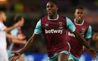 Antonio signs new long-term West Ham deal