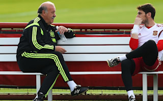 Del Bosque defends Casillas: All goalkeepers make mistakes