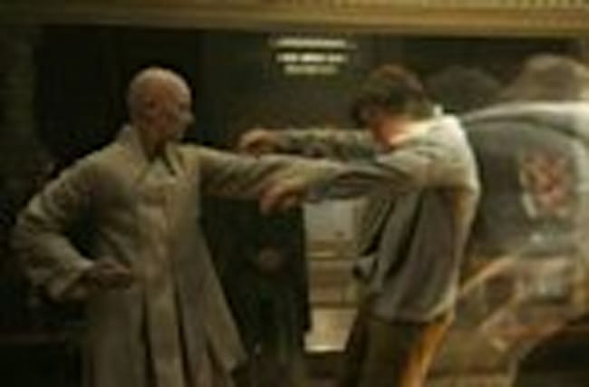 'Doctor Strange': Heal The Body Clip