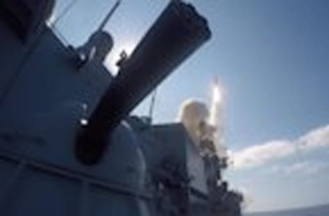 Russia launches further missile strikes at IS targets