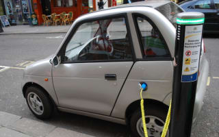 Electric car drivers face queues for charge points