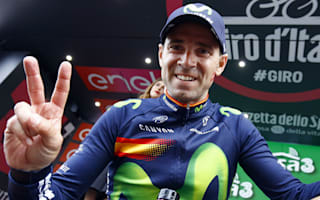 Valverde extends Movistar stay