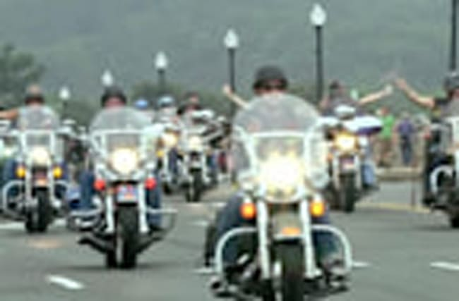 'Rolling Thunder' pays tribute to those who served