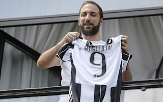 De Laurentiis pushed me into Juventus move - Higuain