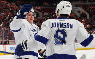 Lightning regain top spot, Blues seal play-off berth