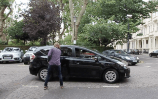 Man films himself taking the shortest Uber journey ever