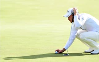 Willett makes horror start to second round