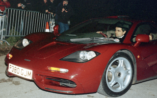 Rowan Atkinson to sell his McLaren F1