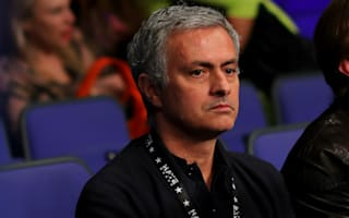 Mourinho non-committal on United speculation