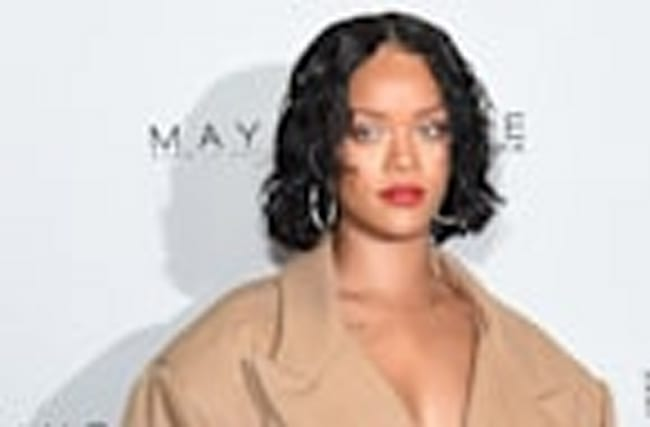 Rihanna Spotted Making Out With New Man & The Internet Can't Handle It
