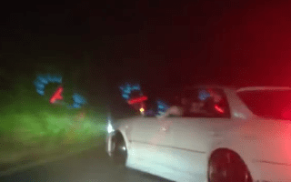 Japanese drifters show how it's done
