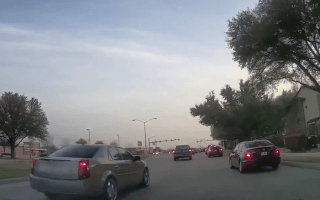 Watch as motorist tries to evade road rage driver in Texas