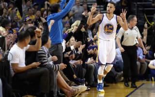 Warriors extend home streak, Spurs beat Pelicans