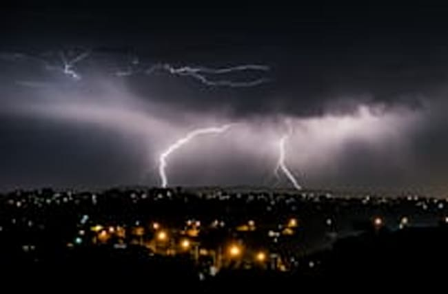 Lightning storms knock out power to entire Australian state