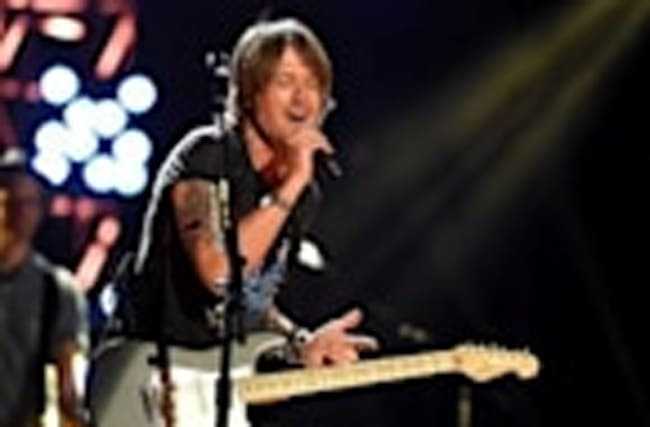 Watch Keith Urban Grant a Fan's Wish for Impromptu Duet During L.A. Concert