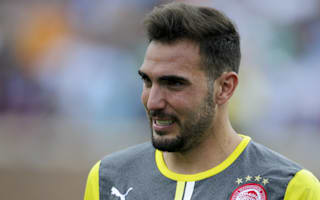 Olympiacos keeper condemns crowd violence