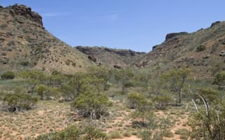 British teenager dies from dehydration while hiking on holiday in Australia
