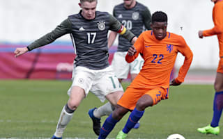 Redan to snub Manchester United and sign Ajax deal