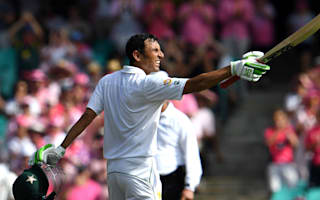 Younis Khan posts record-breaking century as Pakistan struggle