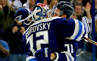 Blue Jackets extend streak to 16, Maple Leafs beaten