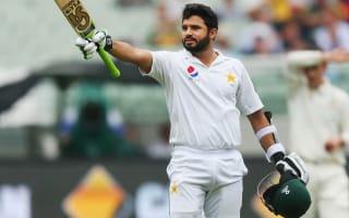 Azhar gives Pakistan edge on wet Melbourne day