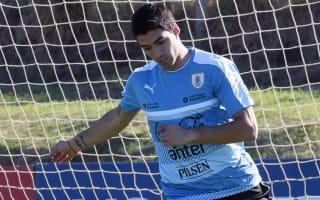 Alves wary of 'spectacular' Suarez