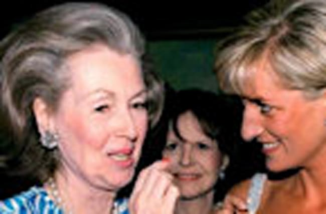 Princess Diana's Stepmother Raine Spencer Dies