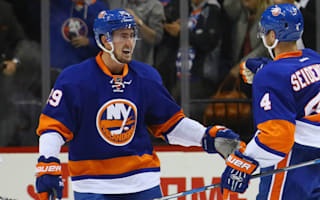 Islanders rally past Leafs, Blues blank Flyers