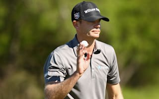 Steele edges further clear in Texas
