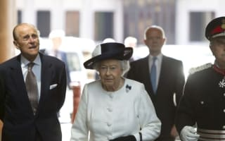 The Queen takes the Eurostar to Paris