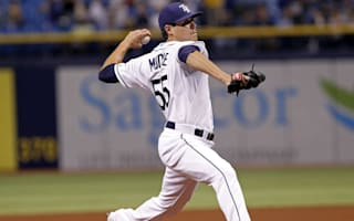Giants acquire Moore from Rays for three players