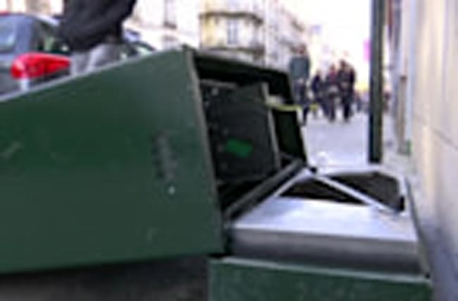 Clashes erupt in Nantes during anti-Le Pen protest