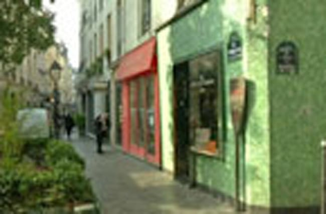 Paris' Jewish Quarter makes a comeback