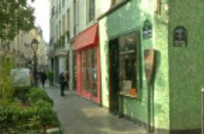 Paris' Jewish Quarter makes a comeback