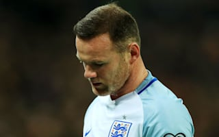 United to assess knee injury as Rooney leaves England camp