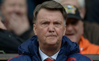 Van Gaal defends 'human' Fellaini over Huth elbow clash