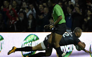 Toulouse hammer Toulon to go top, Racing beat Clerment