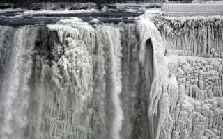 Niagara Falls freezes during extreme weather in US