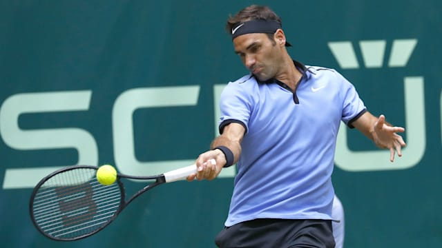 Federer lifts ninth Halle Open title