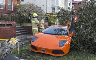 Lamborghini owner crashes whilst showing car to buyer
